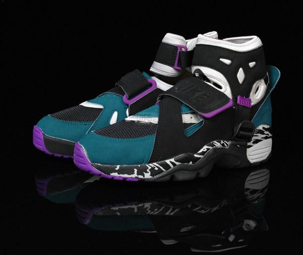Nike Carnivore Shoes